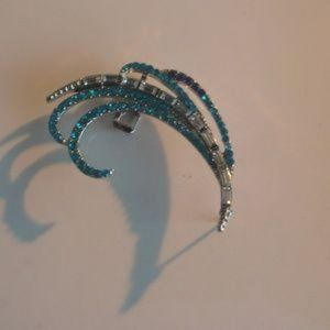 Jewelry - ❤️ Chic Cuff Earring Blue & Clear Crystal 2""